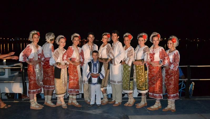 festivalul tineretii 1