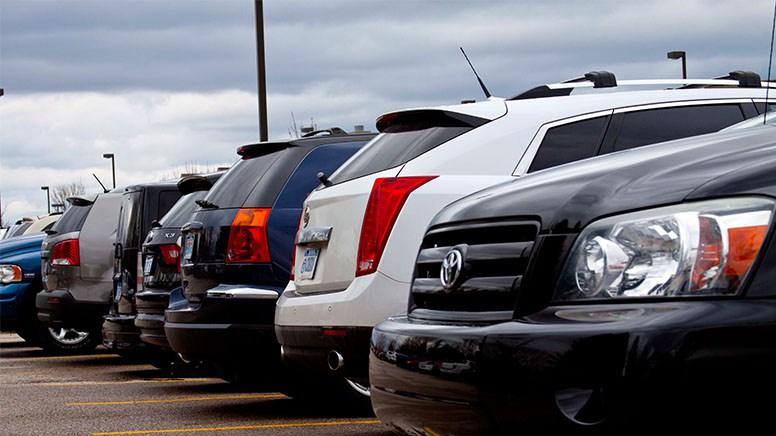 Maşini-parcate