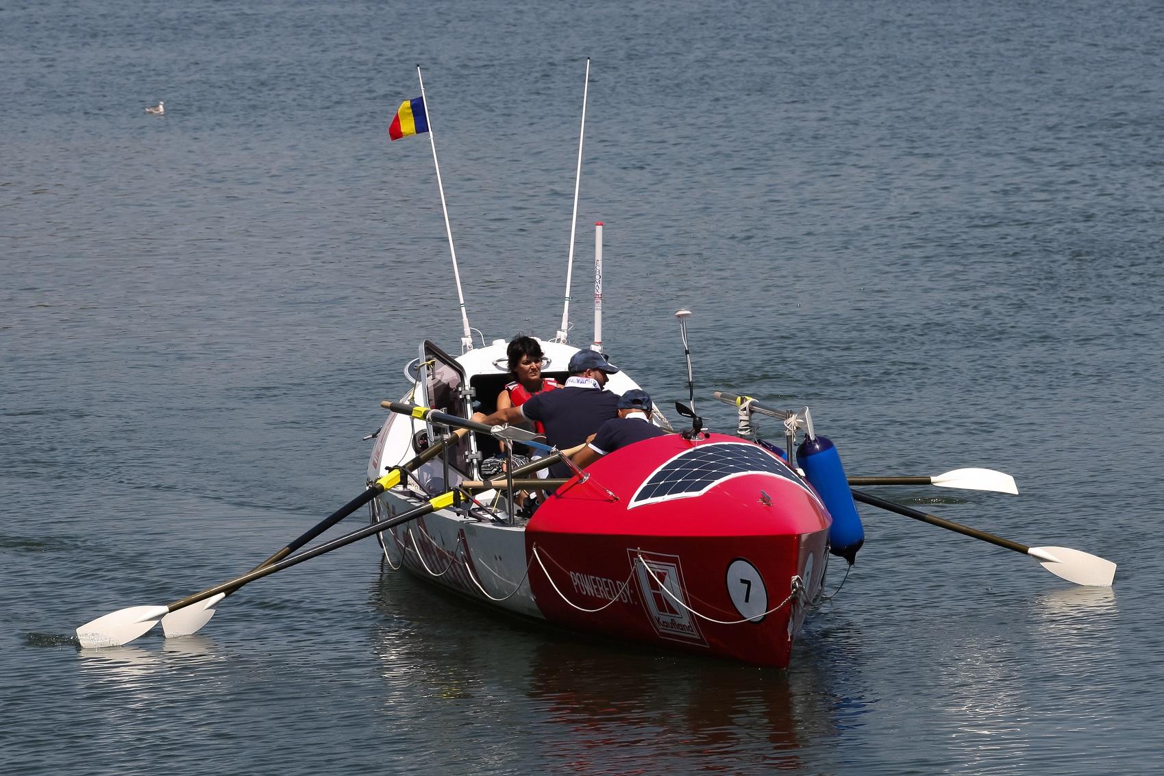 Prima plimbare cu barca_